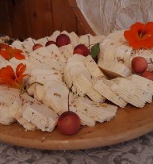 Ser podpuszczkowy z mieszanką ziół macedońskich